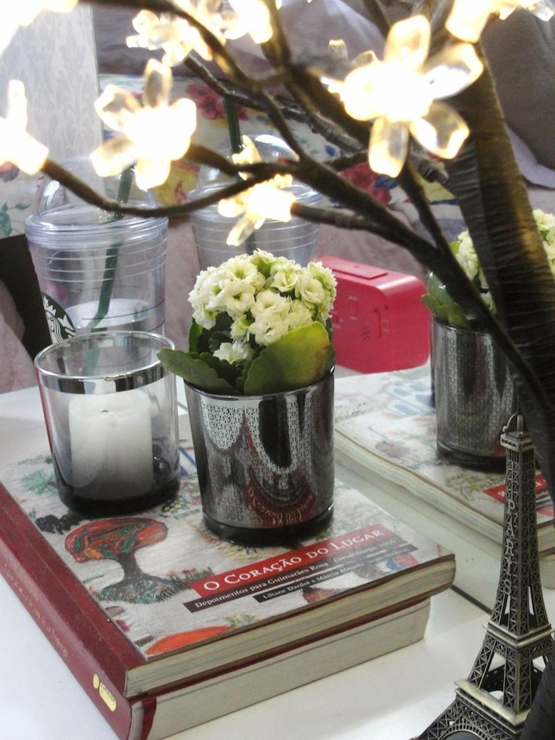 criado-mudo-flores