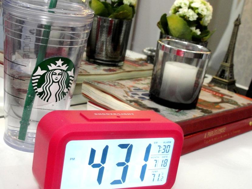 criado-mudo-clock