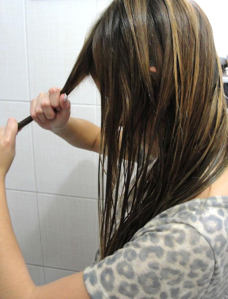oleo-nos-cabelos