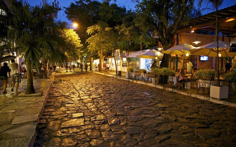 426877_buzios_brazil_rua-das-pedras_street_texture_3200x2000_www.GdeFon.ru_