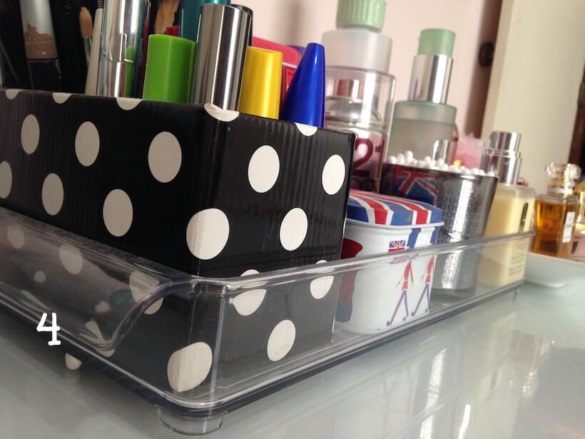 verdemar-bandeja-decoracao-penteadeira-escrivaninha-decor-makes-organizador-bandeja-pinceis-canetas