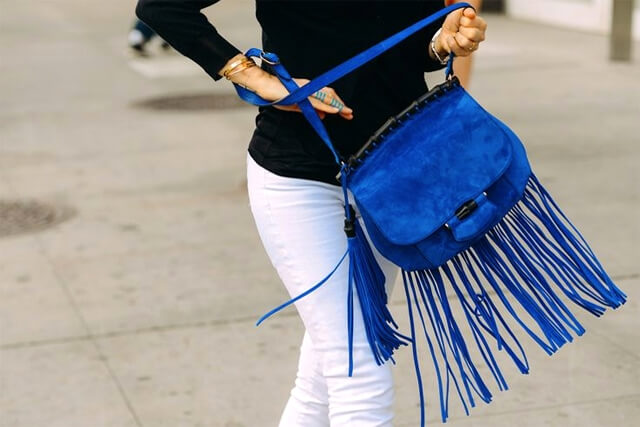 cow-print-clutch-fringe-frindes-franja-franja-trend-alert-tendencia-spfw-pfw-fashion-week-summer-2015-winter-inverno2015-final-street-style-fringe-jackets-jaqueta-de-couro-luiza-barcelos-prada-gucci-olivia-palermo-cow-print-clutch-fringe-frindes-franja-franja-trend-alert-tendencia-spfw-pfw-fashion-week-summer-2015-winter-inverno2015-final-street-style-fringe-jackets-jaqueta-de-couro-luiza-barcelos-prada-gucci-olivia-palermo