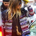 cow-print-clutch-fringe-frindes-franja-franja-trend-alert-tendencia-spfw-pfw-fashion-week-summer-2015-winter-inverno2015-final-street-style-fringe-jackets-jaqueta-de-couro-luiza-barcelos-prada-gucci-olivia-palermo