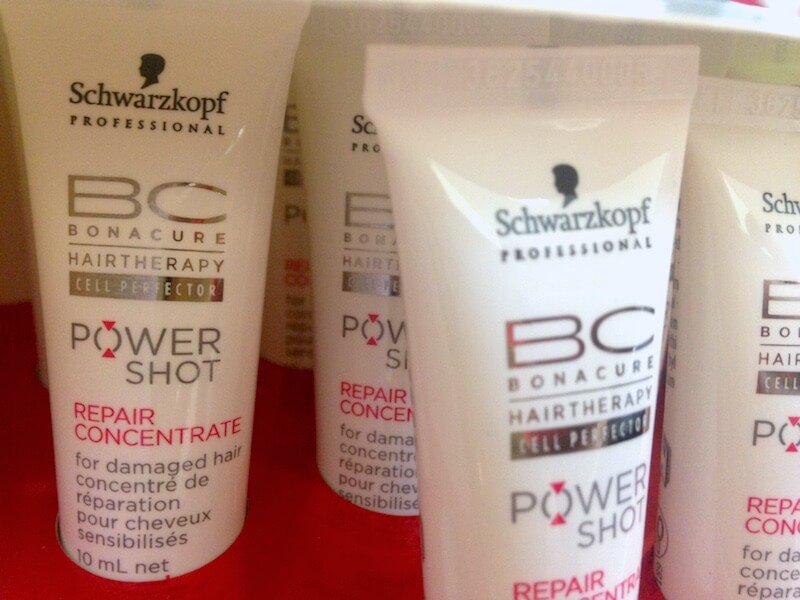 uivo-tendencia-ficando-loira-como-ficar-loira-processo-ombre-studio-sandro-benjamin-platinado-degrade-cabelo-loirp-marcos-proenca-pro-kerastase-cabelo-loiro-hair-blonde-cabelo-liso-cuidados-melhor-creme-hidratacao-melhor-ampola-schwarzkopf-power-shot-ampola-repair-rescue-resenha-produto-resenharepairrescue