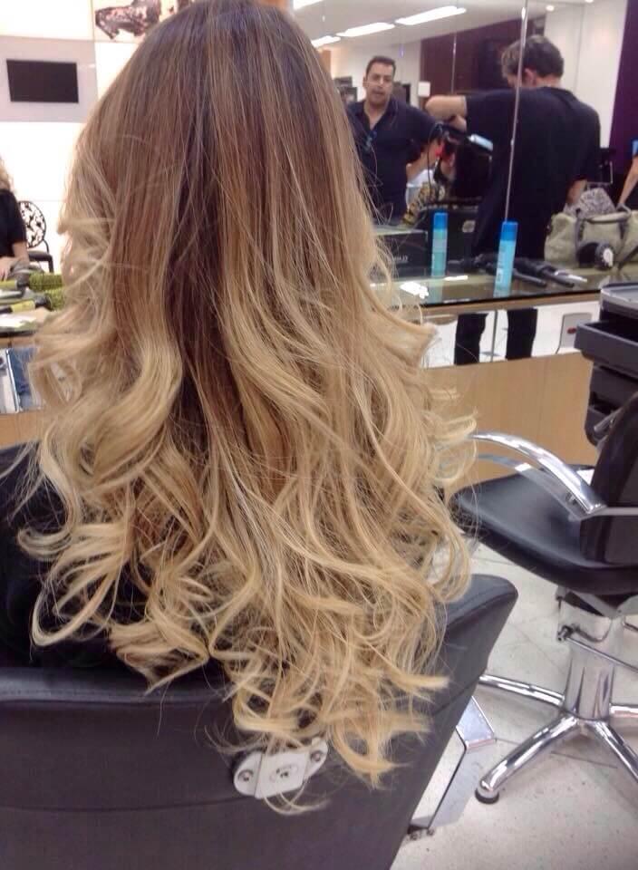 cabelo-mais-bonito-do-mundo-degrade-perfeito-ombre-hair-blonde-californianas-sombre-har-mechas-luzes-loiro-blond-hair-beauty-hair-cachos-modaonlinebh-candice-melhor-mascara-como-fazer-babyliss-spray-sea-salf-babe-surf-spray-curve-sandro-benjamin-como-ficar-loira-clareando-os-cabelos-ombrehair